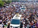 Puluhan Ribu Warga Madura Sambut Prabowo, Ingatkan Mereka Akan Potong Leher La Nyalla