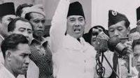 """22 Desember, Pledoi """"Indonesia Menggugat"""" Ditulis dari Tahanan, Bung Karno Divonis Penjara 4 Tahun"""