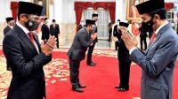 Dilantik Presiden Jokowi, Sandiaga Uno Bawa Tasbih Melingkar di Telapak Tangannya