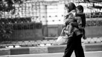Ada salah satu ungkapan rasa kasih sayang yang wajib dikerjakan, setidaknya saat Hari Ibu berlangsung, yaitu mendoakan mereka agar selalu mendapat kebaikan.