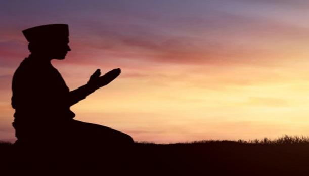 Monen sholat 5 waktu, saat Nabi Muhammad mendapatkan perintah langsung dari Allah SWT