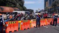 Bundaran Waru Sidoarjo Ditutup Total, Polisi Juga Tutup 3 Jalan Protokol di Surabaya