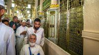 Nabi Muhammad SAW Melaknat Kuburan Orang Saleh Dijadikan Masjid