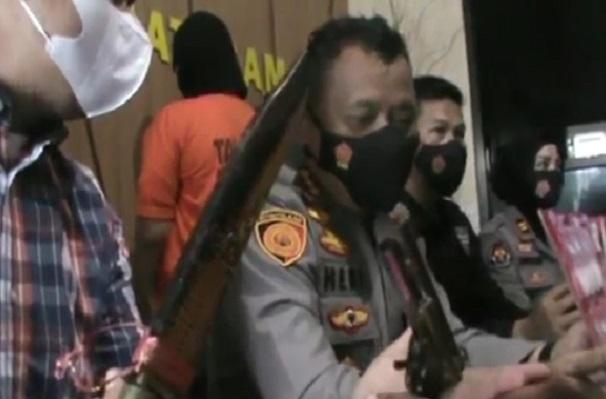 Bandar Narkoba Bawa Senjata Api Rakitan