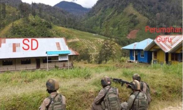 Teror KKB Bakar Gedung SD, Rumah Guru dan Puskesmas