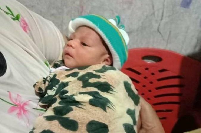 Astaghfirullah,.. Bayi Dibuang Hidup hidup di Gerobak PKL