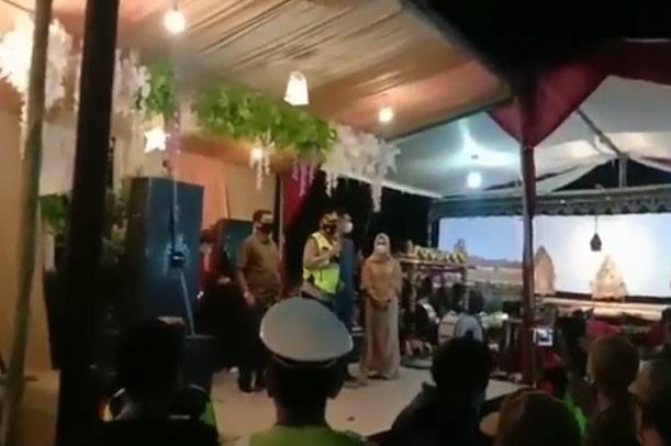 Gelar Pesta Hingga Larut Malam, Rumah Kepala Desa Digrebek Polisi