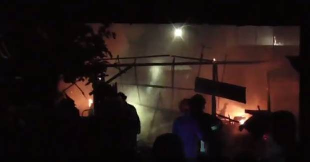 Gudang Pengolahan Ragi Terbakar, Pemiliknya Histeris