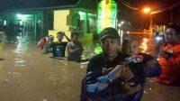 Ratusan Warga Ngungsi,  Banjir Sedalam 2 Meter – Jombang Sudah Tenggelam