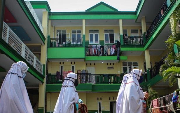 Menteri Agama Harapkan Pondok Pesantren  dan Rumah Ibadah,   Sentra Vaksinasi