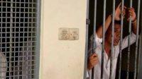 Tujuh Tahanan Polsek Kabur, Jeruji Besi Digergaji